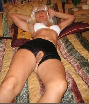 Blonde MILF Tight Pussy On Display