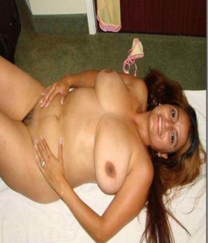 Busty Latina Hot Mom Is The Bomb!
