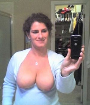 Busty Mom Camwhoring Moments In the Mirror