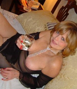 Drunk Elegant Milf With A Shaven Cunt