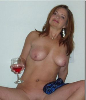 Drunk Hot Mom Inviting Pussy