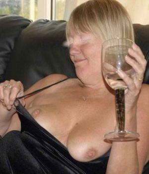Drunk Mom Shows Her Tits To Us