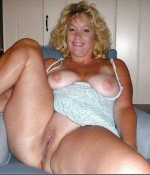Fat Blonde MILF In Lingerie Hot Pose