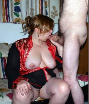 Horny mom show off her true skills