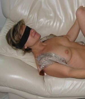Blindfolded boy fucks mom