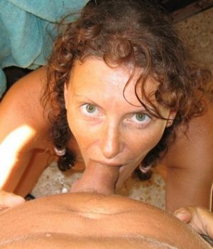 Hungry Milf GFs Nude Mommy Lady