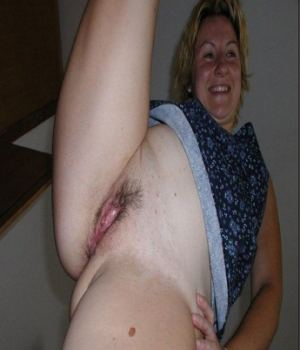 Mom Spreading Her Real Tight Meat
